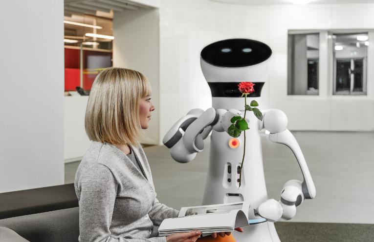 Der Care-O-bot 4 © Fraunhofer IPA, Foto: Rainer Bez (2015)